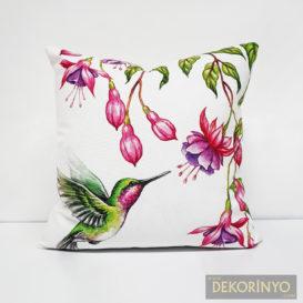 Sinek Kuşu Desenli Yastık