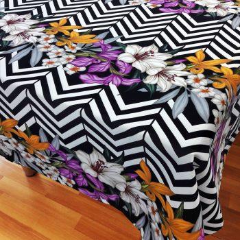 Zigzag Çiçekler Masa Örtüsü