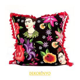 Frida ve Meksika Ateşi Püsküllü Kırlent