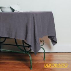 Gri Renkli Masa Örtüsü