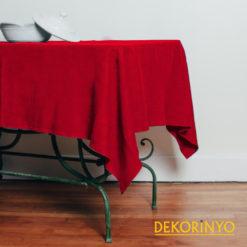 Kırmızı Renkli Masa Örtüsü