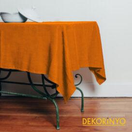 Turuncu Renkli Masa Örtüsü