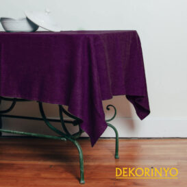 Mor Renkli Masa Örtüsü